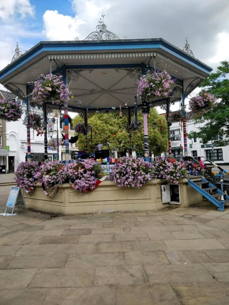 5 Horsham WI groups #OceanBombed the Bandstand